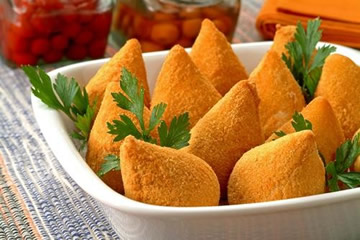 http://vilapompeiasp.files.wordpress.com/2010/04/coxinha2.jpg